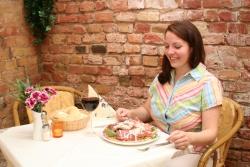 Lebensmittel im Online-Handel: Kochzauber aus Köln kooperiert mit DHL und liefert zum Feierabend